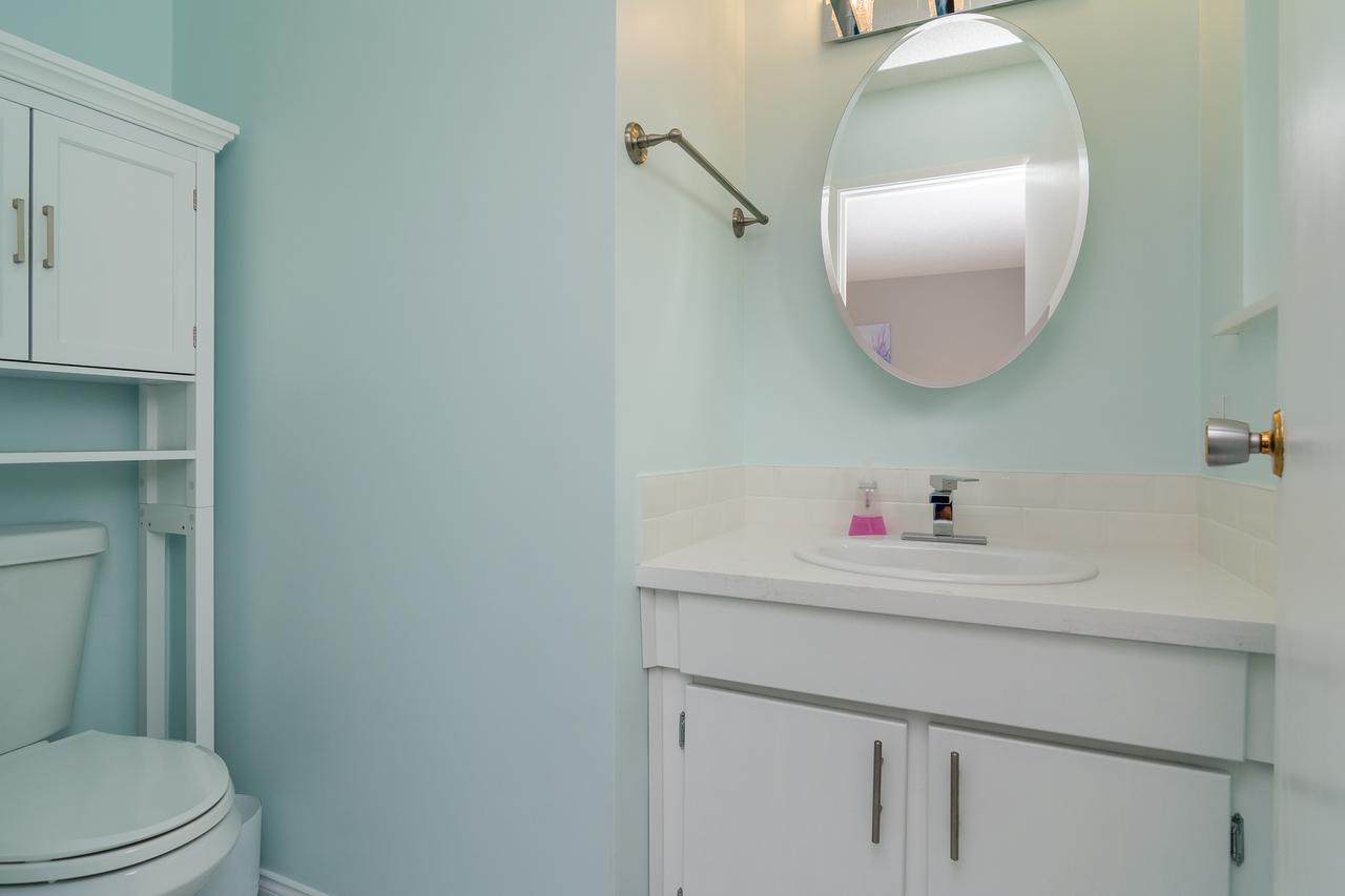 Powder Room at 6358 193b Street, Surrey