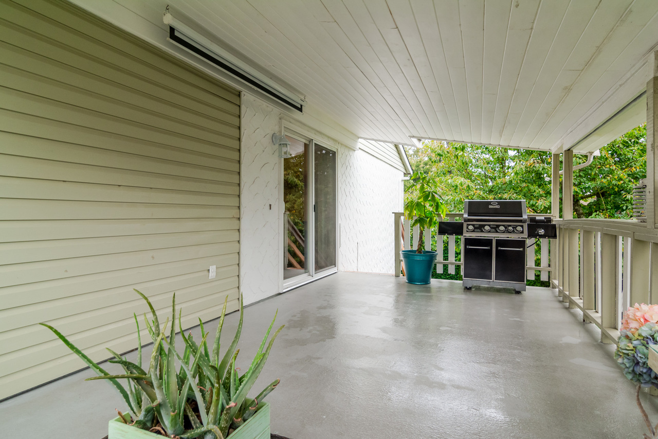 Spacios Sun deck at 6358 193b Street, Surrey
