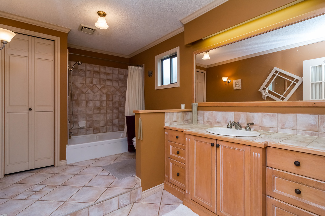 Spacious Bathroom  -Listed by Solon REM, Top Langley & Fraser Valley Realtor  at 26741 58th Avenue, Langley