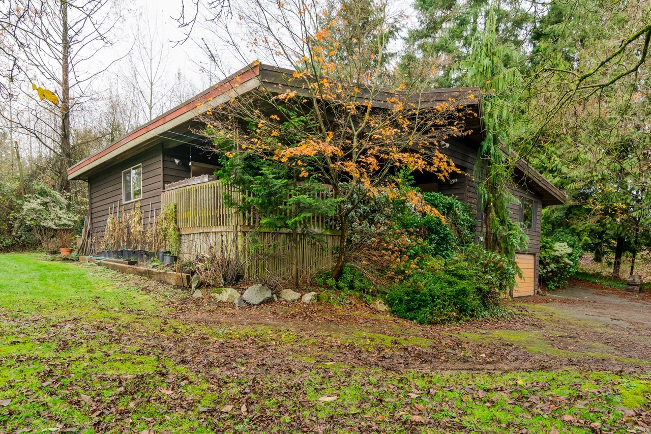 Exterior Side  -Listed by Solon REM, Top Langley & Fraser Valley Realtor  at 26741 58th Avenue, Langley