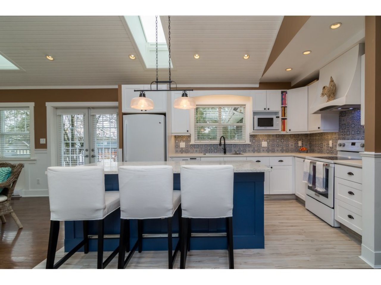 KItchen -Listed by Solon REM, Top Langley & Fraser Valley Realtor  at 7498 116a, Scottsdale, N. Delta