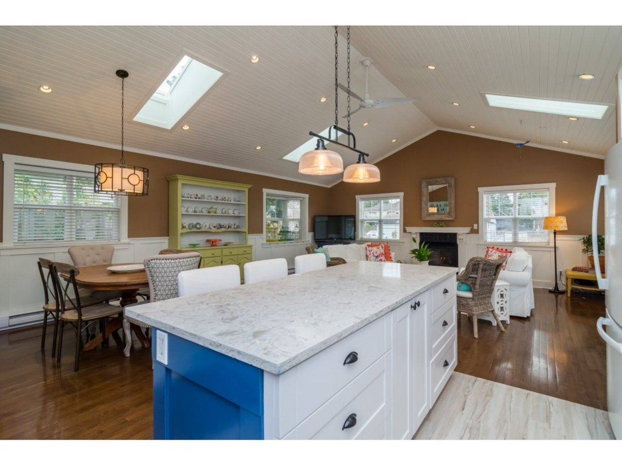 Great Room-Listed by Solon REM, Top Langley & Fraser Valley Realtor  at 7498 116a, Scottsdale, N. Delta