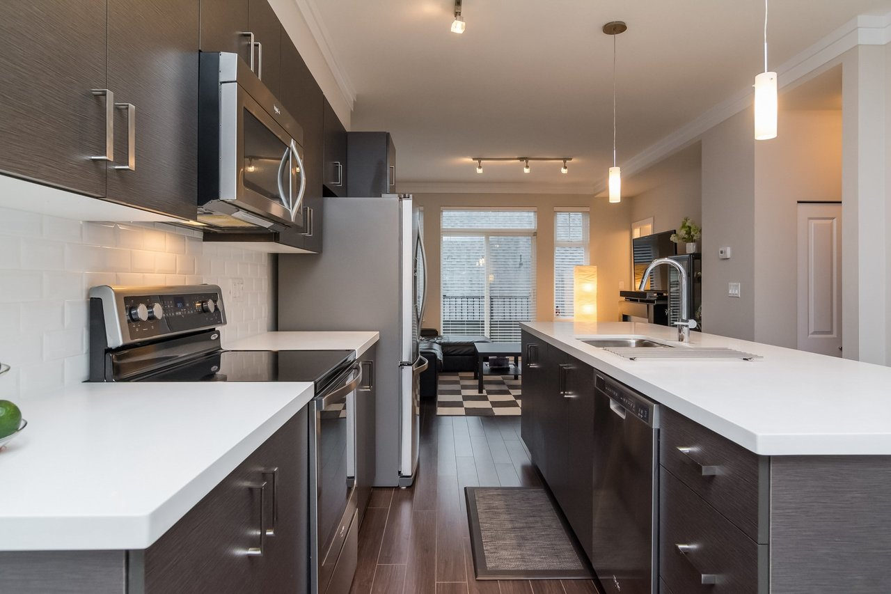 Quartz Countertops-Listed by Solon REM, Top Langley & Fraser Valley Realtor  at 19 - 13886 62, Surrey