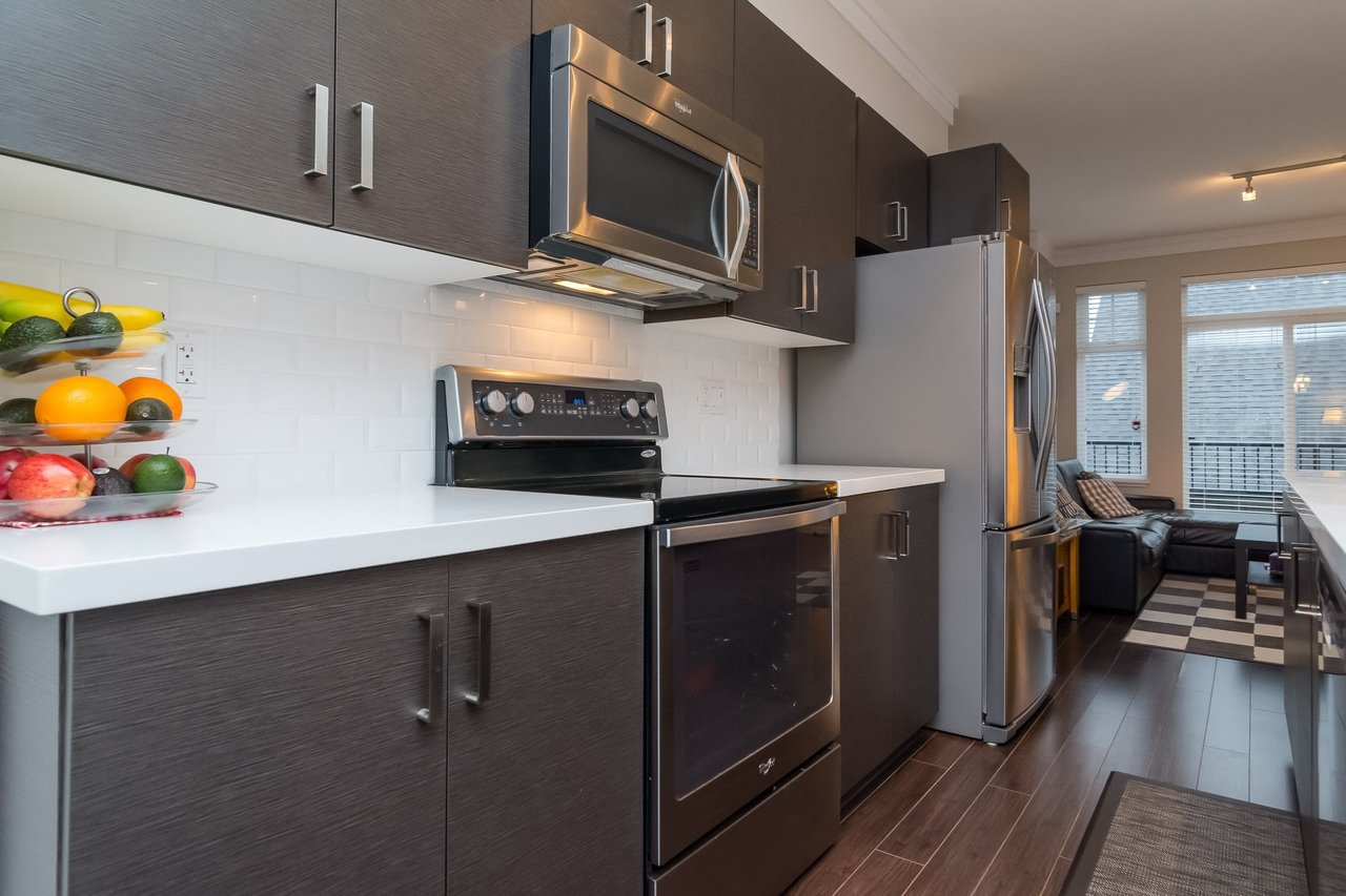 Stainless Appliances -Listed by Solon REM, Top Langley & Fraser Valley Realtor  at 19 - 13886 62, Surrey