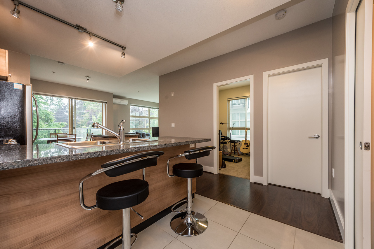 Breakfast Bar - Listed by Solon REM, Top Langley & Fraser Valley Realtor  at 219 - 6628 120th, West Newton, Surrey