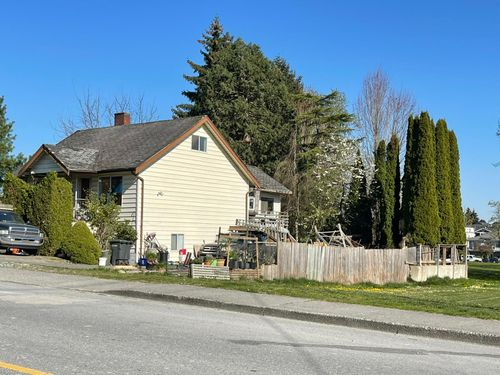 photo-2021-04-18-17-03-28 at 7310 14th Avenue, Edmonds BE, Burnaby East