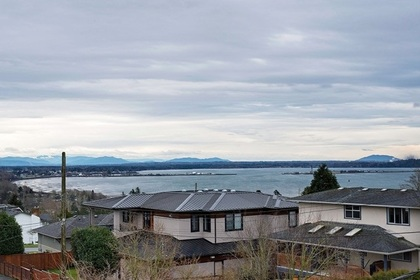262050898-1 at 15528 Cliff Avenue, White Rock, South Surrey White Rock