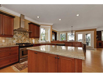 261502052-8 at 13018 Marine Drive, Crescent Bch Ocean Pk., South Surrey White Rock
