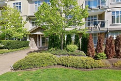 01-5 at 207 - 15323 17a Avenue, King George Corridor, South Surrey White Rock
