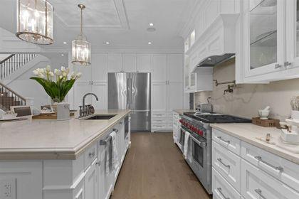 16697 30A Avenue kitchen appliances at 16697 30a Avenue, Grandview Surrey, South Surrey White Rock
