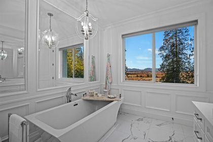 16697 30A Avenue bath at 16697 30a Avenue, Grandview Surrey, South Surrey White Rock