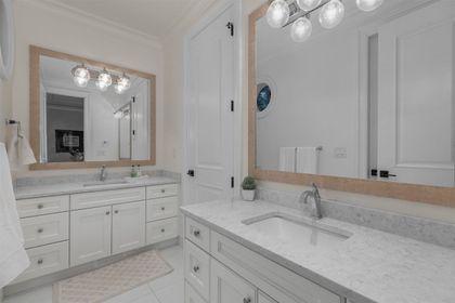 16697 30A Avenue bathroom at 16697 30a Avenue, Grandview Surrey, South Surrey White Rock