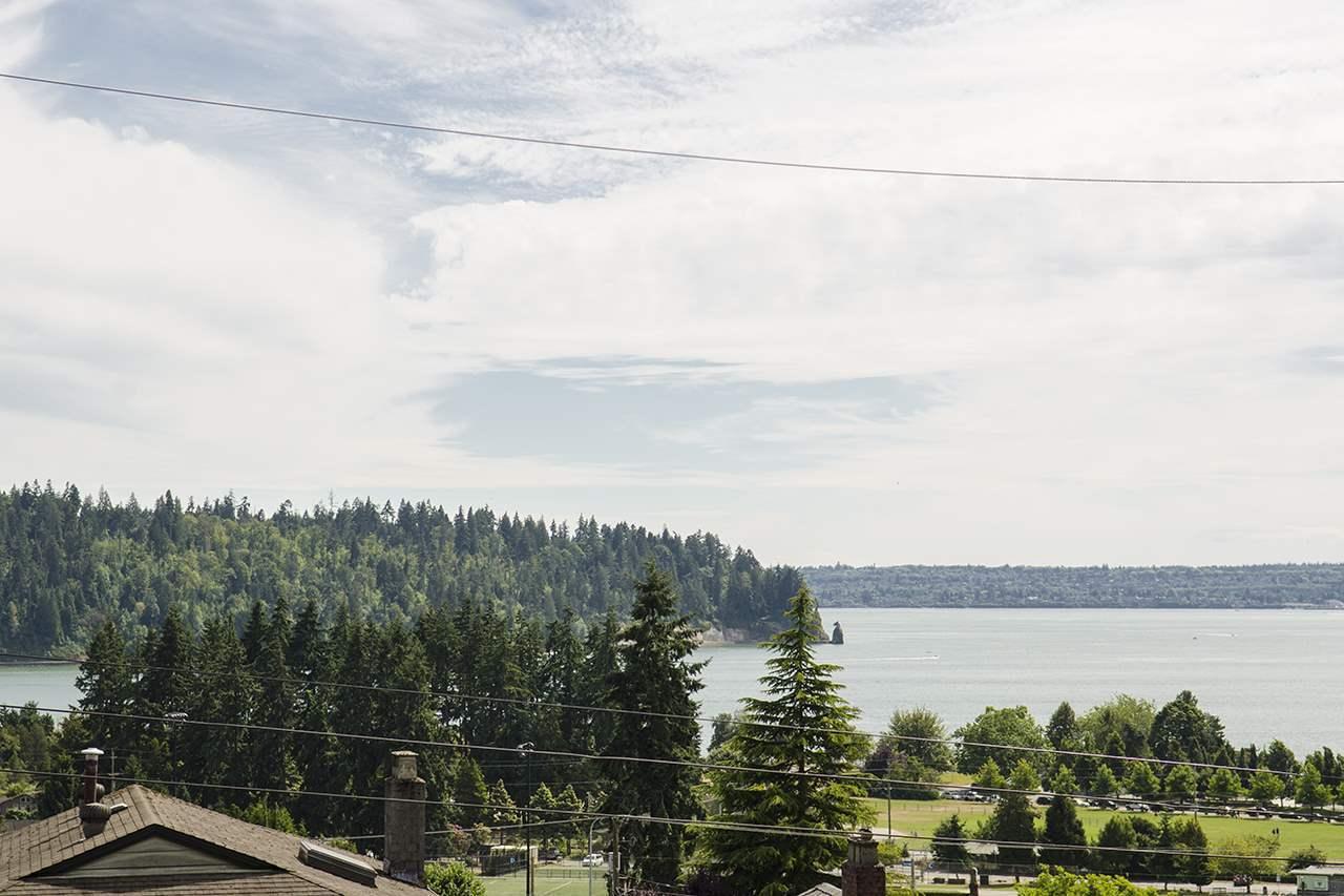 1117-duchess-avenue-ambleside-west-vancouver-02 at 1117 Duchess Avenue, Ambleside, West Vancouver