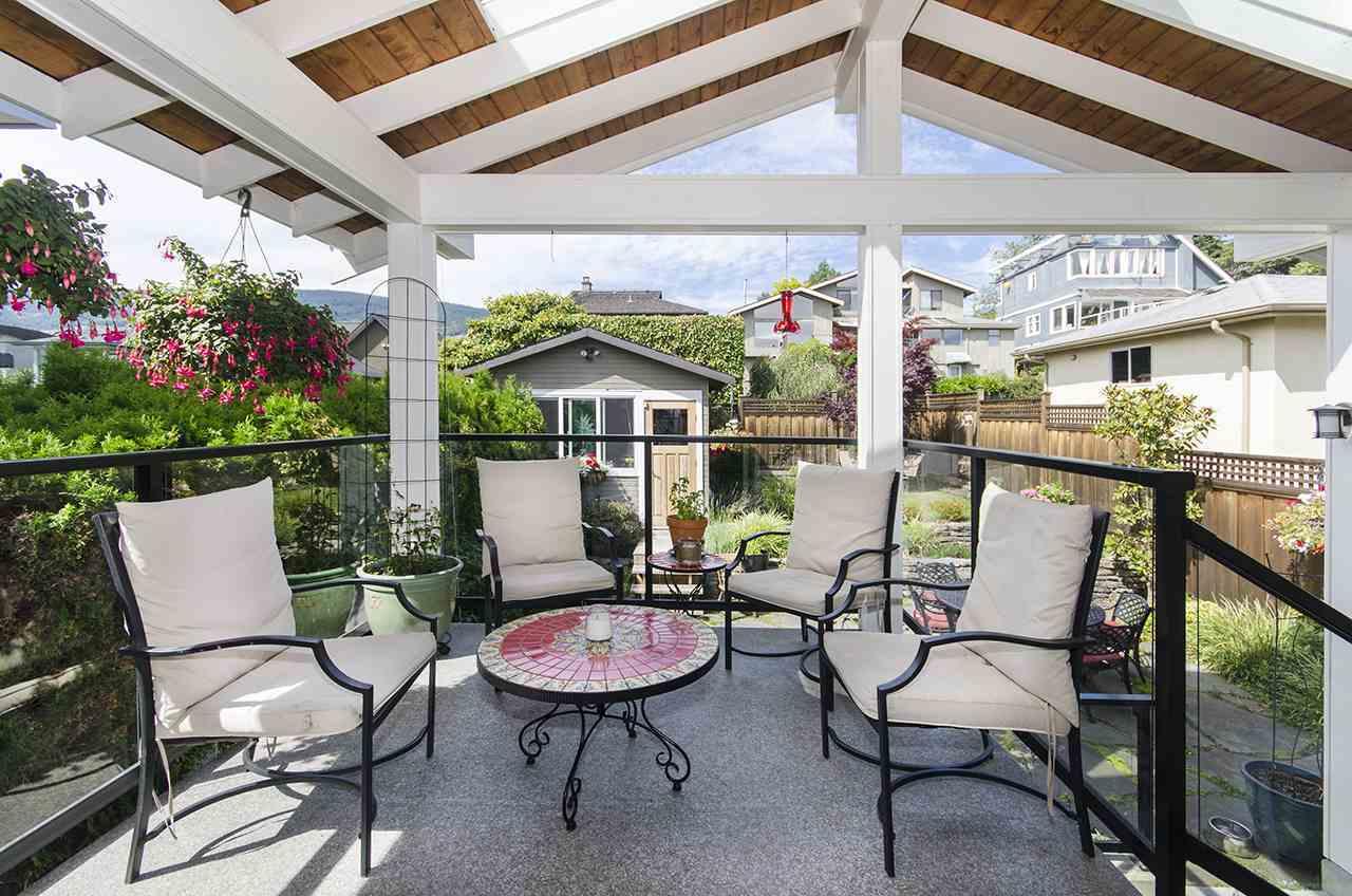 1117-duchess-avenue-ambleside-west-vancouver-05 at 1117 Duchess Avenue, Ambleside, West Vancouver