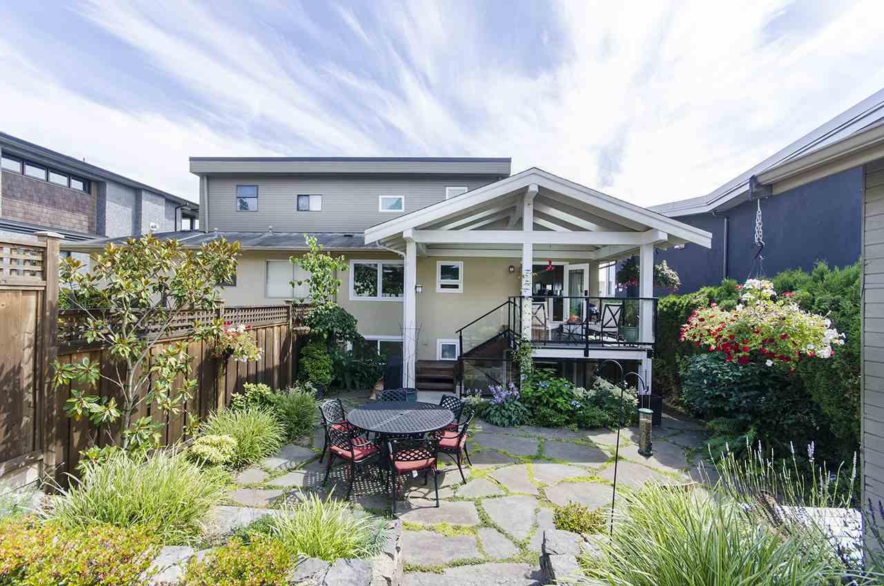 1117-duchess-avenue-ambleside-west-vancouver-18 at 1117 Duchess Avenue, Ambleside, West Vancouver