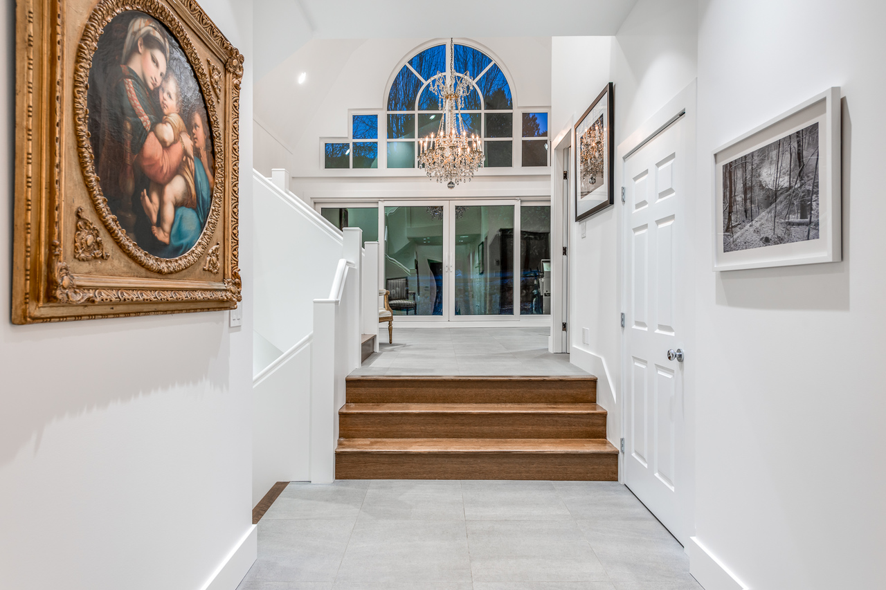 Foyer at 2651 Mathers Avenue, Dundarave, West Vancouver