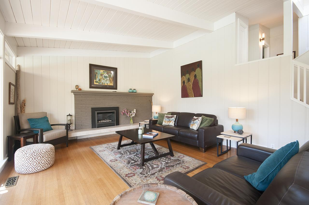 Living Area at 1580 Kings, West Vancouver