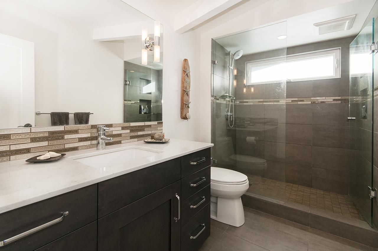Bathroom at 1580 Kings, West Vancouver