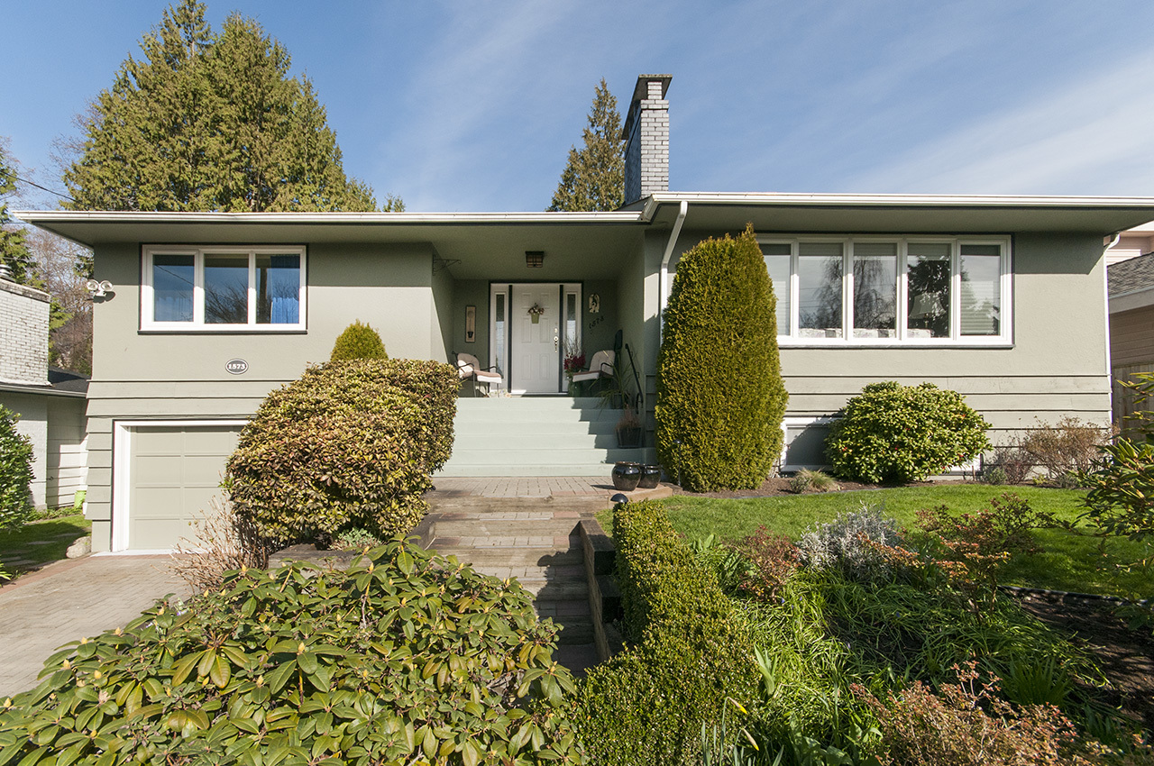 Front of House at 1573 Kings Avenue, Ambleside, West Vancouver