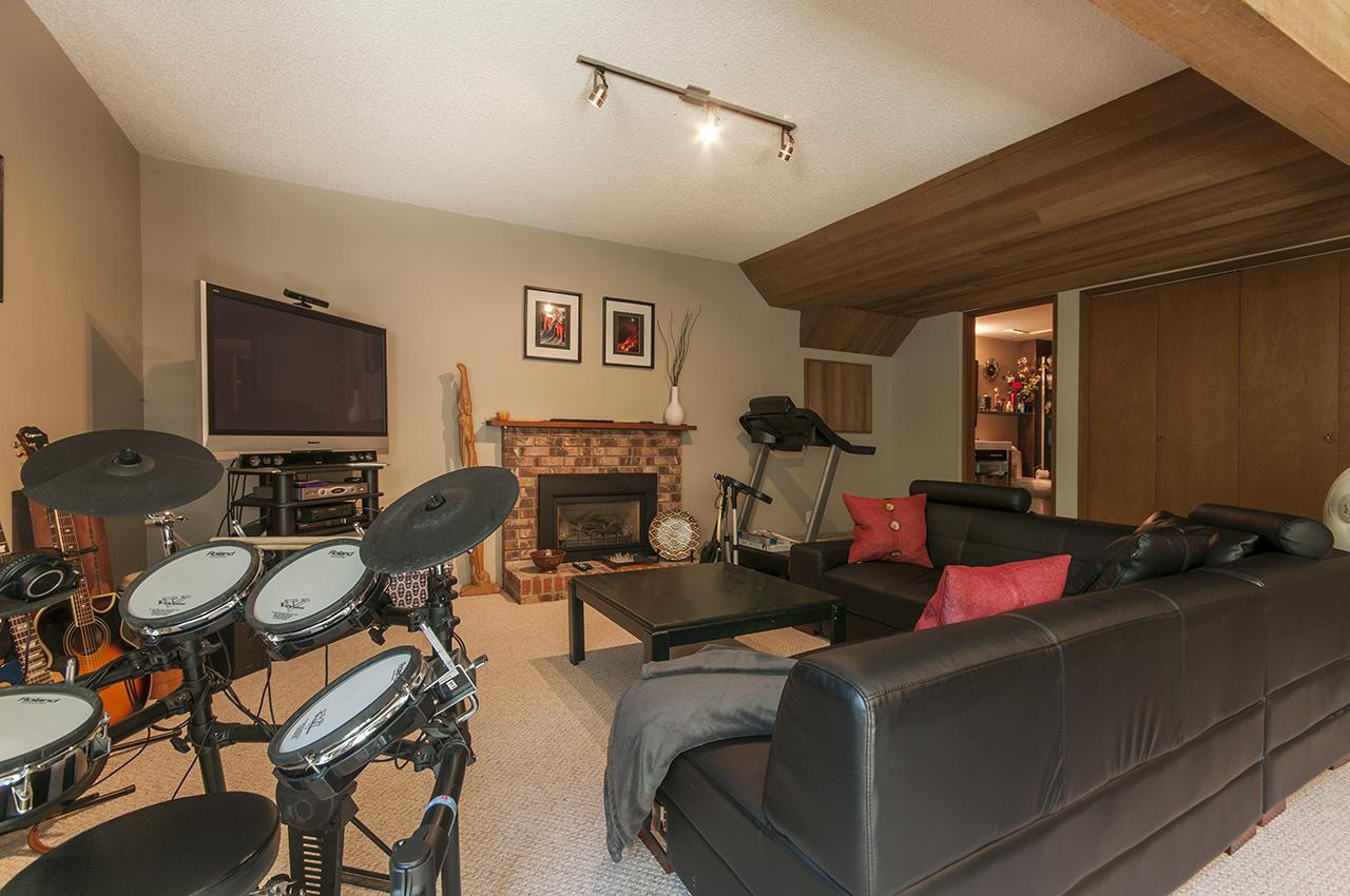 Recreation Room  at 555 Palisade Drive, Canyon Heights NV, North Vancouver
