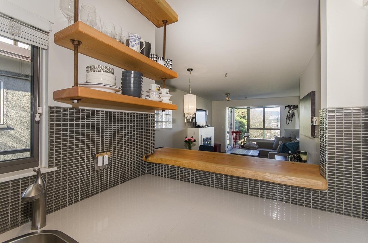 7656 at 303 - 2160 Cornwall Avenue, Kitsilano, Vancouver West