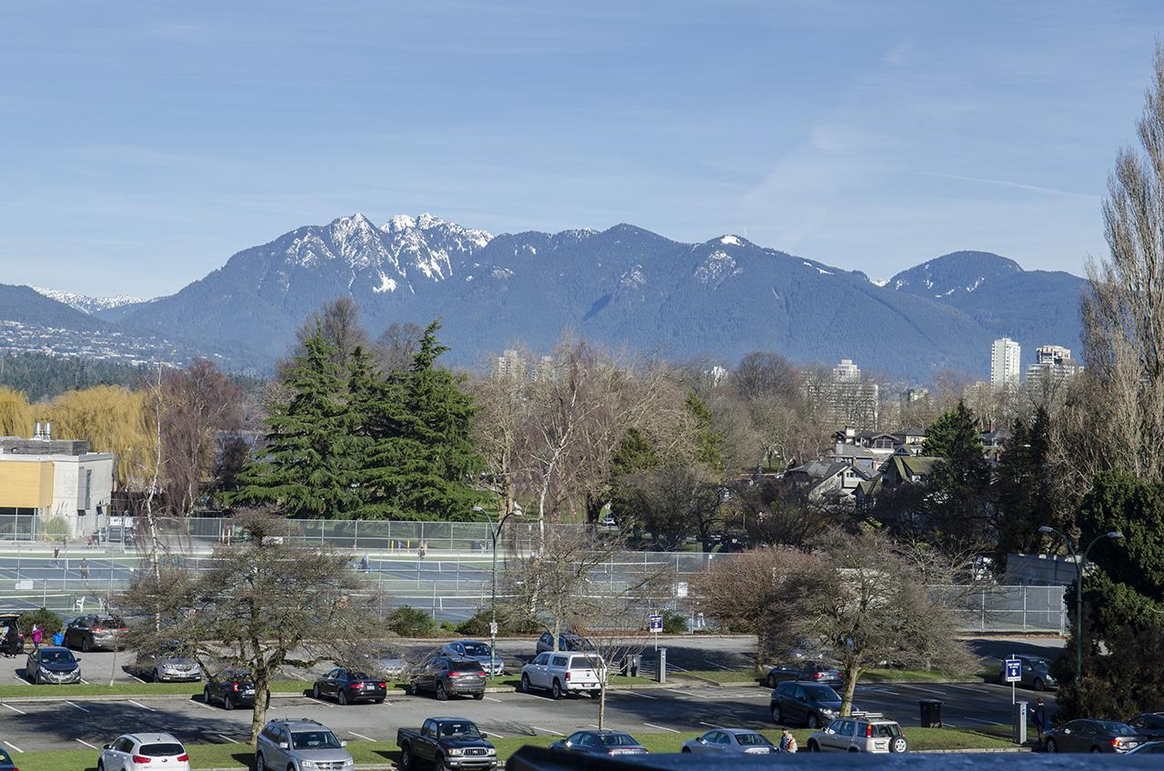 View across the street at 303 - 2160 Cornwall Avenue, Kitsilano, Vancouver West