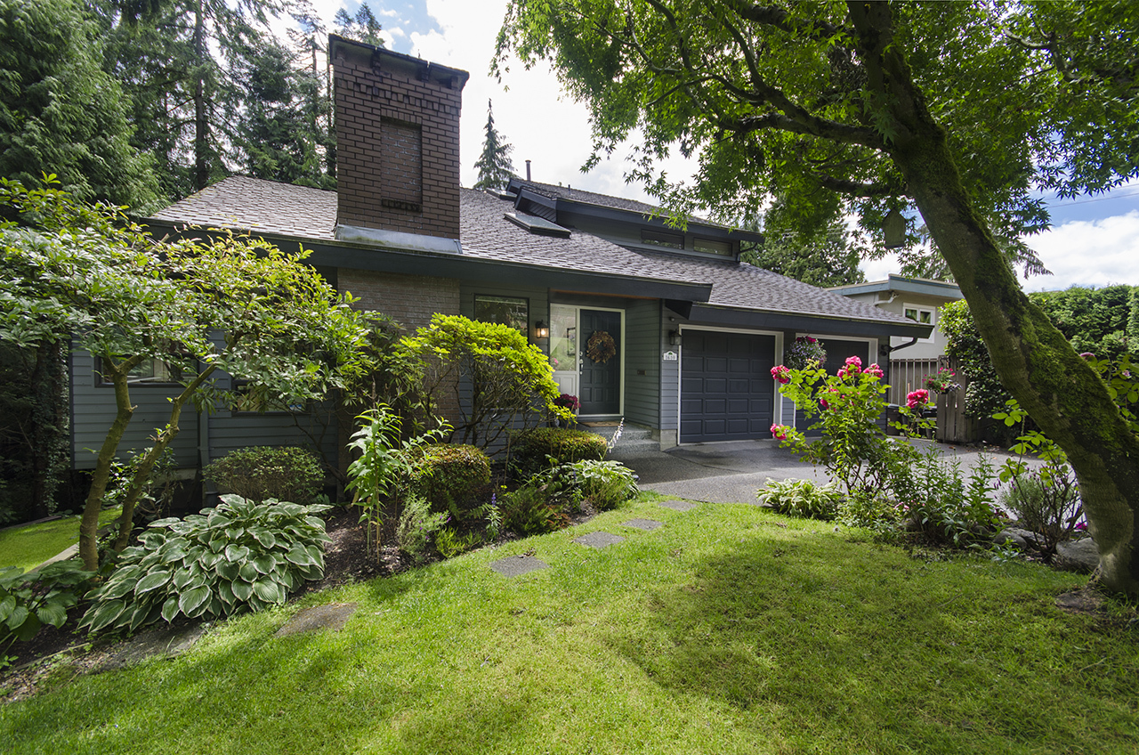 1997 at 1610 Palmerston Avenue, Ambleside, West Vancouver