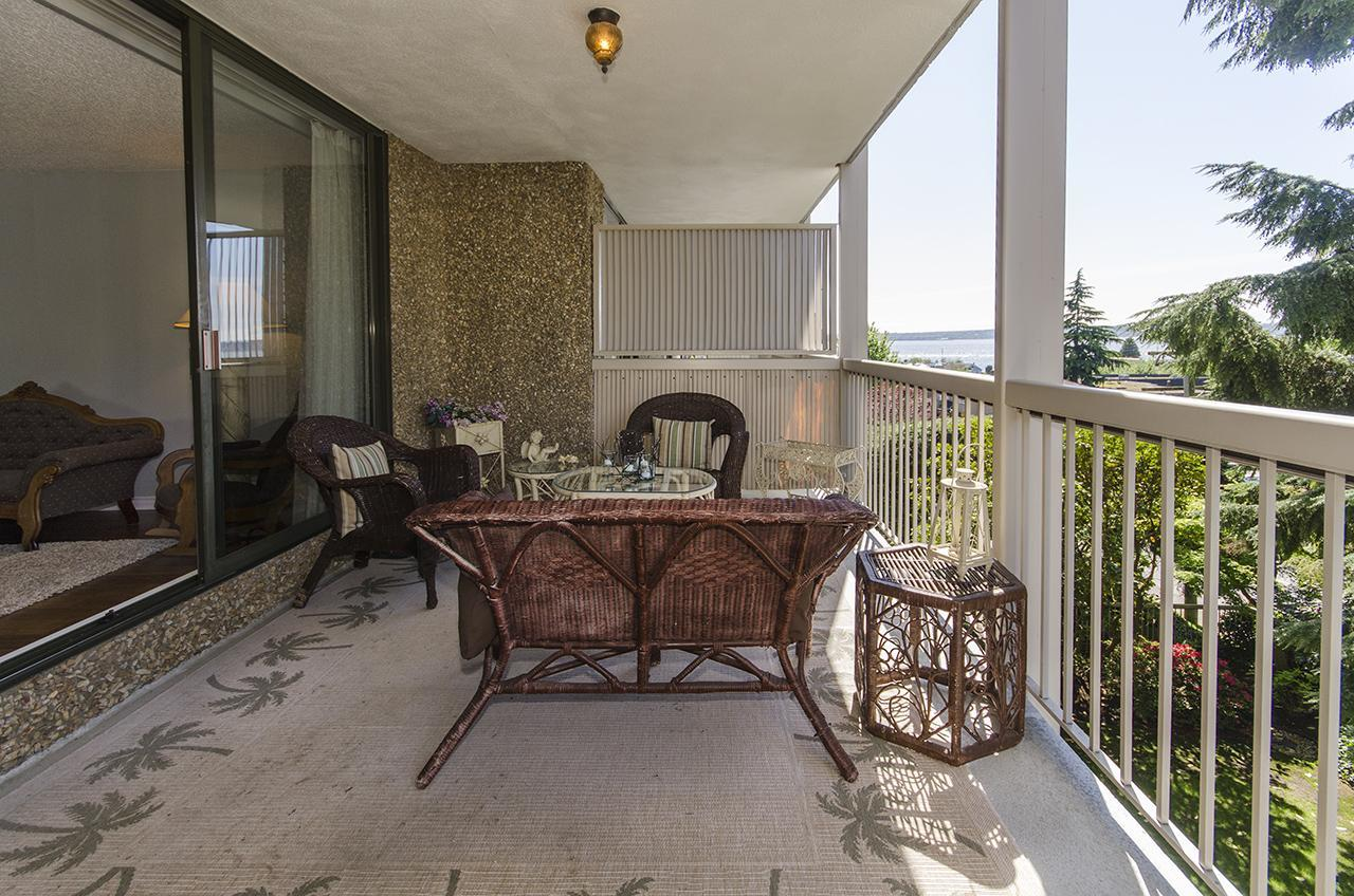 at 303 - 1390 Duchess Avenue, West Vancouver
