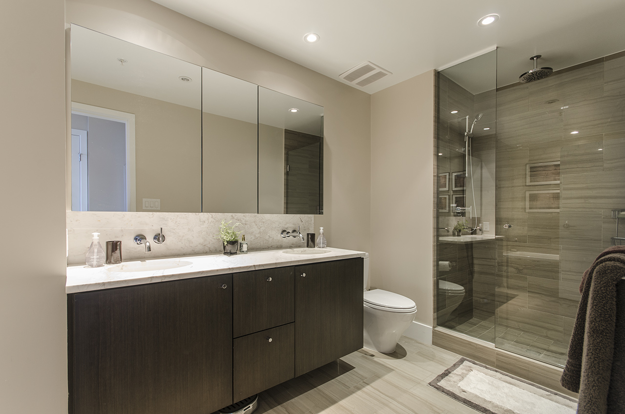 8330 at 1803 - 150 W 15th Street, Central Lonsdale, North Vancouver