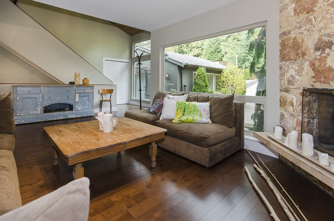 6633 at 555 Palisade Drive, Canyon Heights NV, North Vancouver