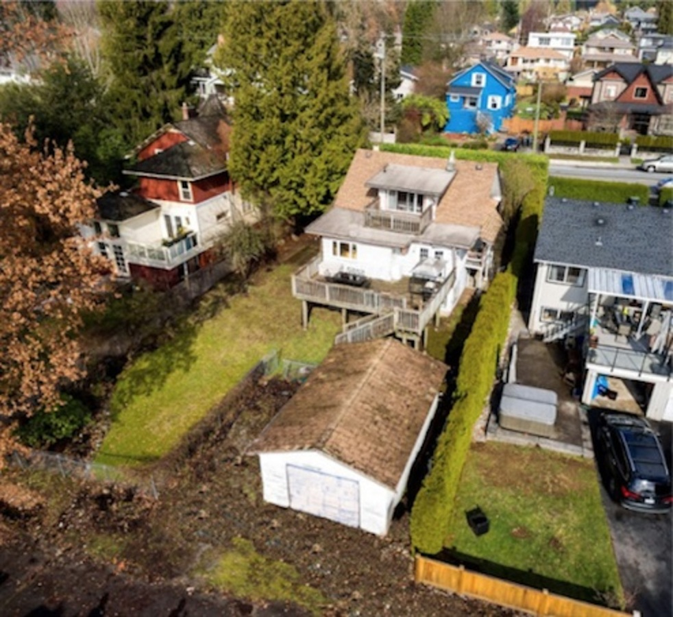 265-w-queens-road-upper-lonsdale-north-vancouver-01 at 265 W Queens Road, Upper Lonsdale, North Vancouver