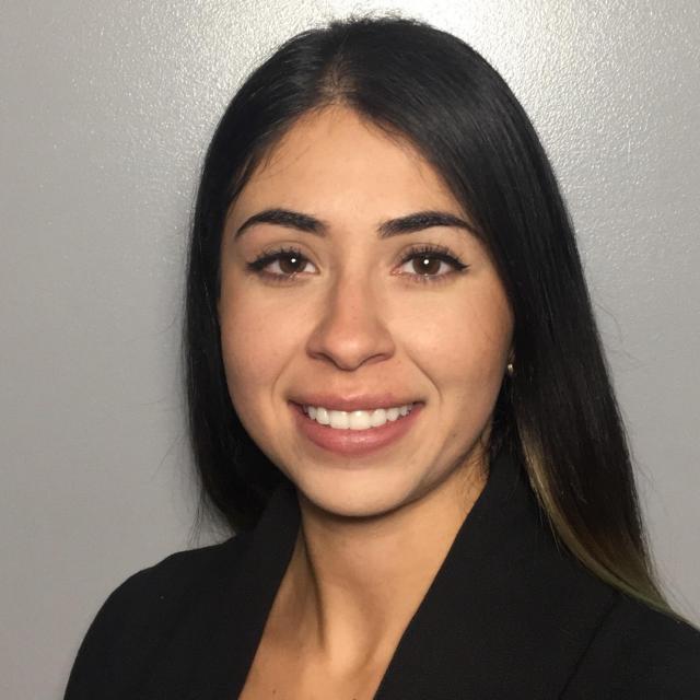 Stefanie Cruz