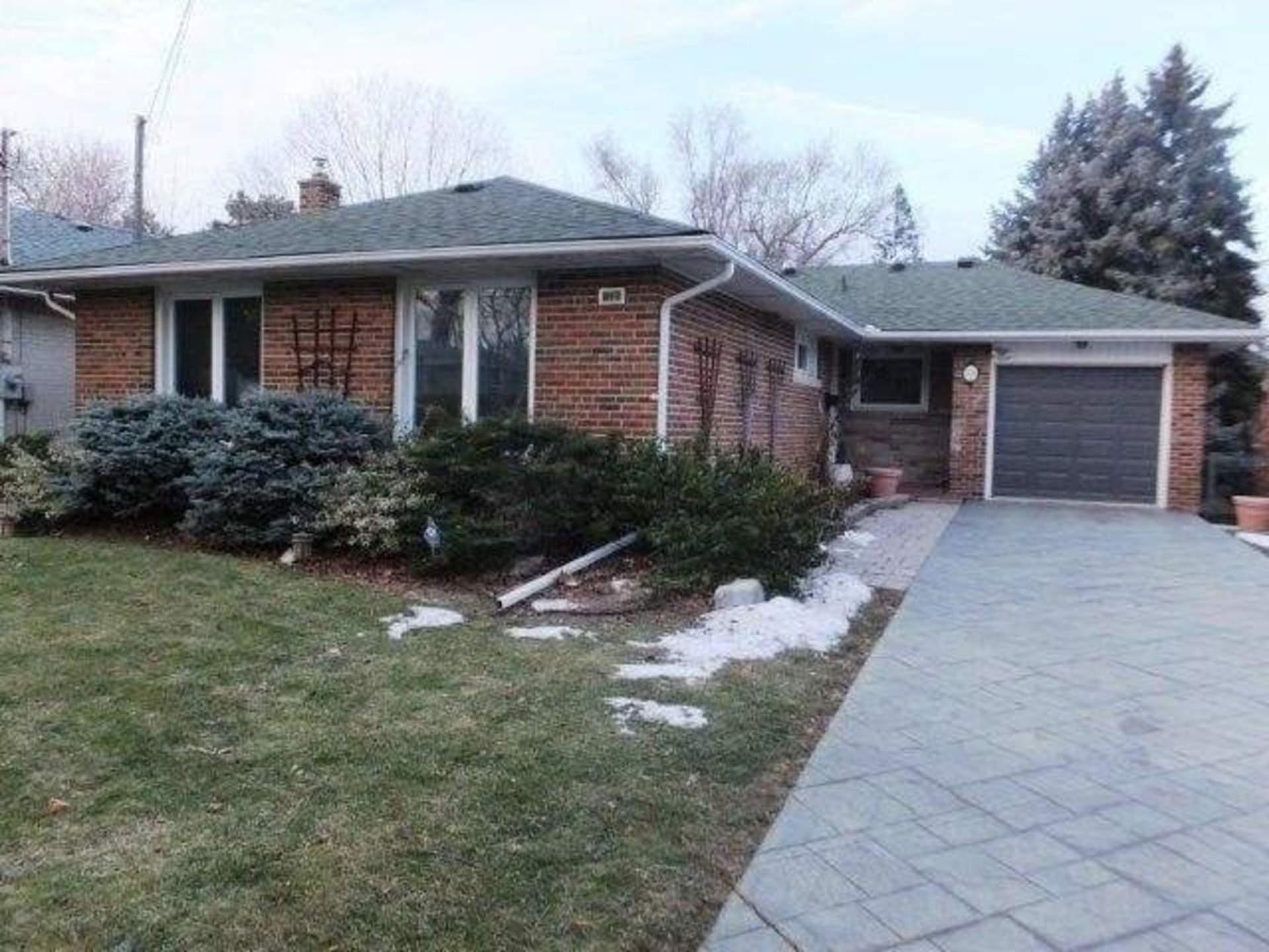 38-millgate-cres-bayview-village-toronto-01 at 38 Millgate Crescent, Bayview Village, Toronto