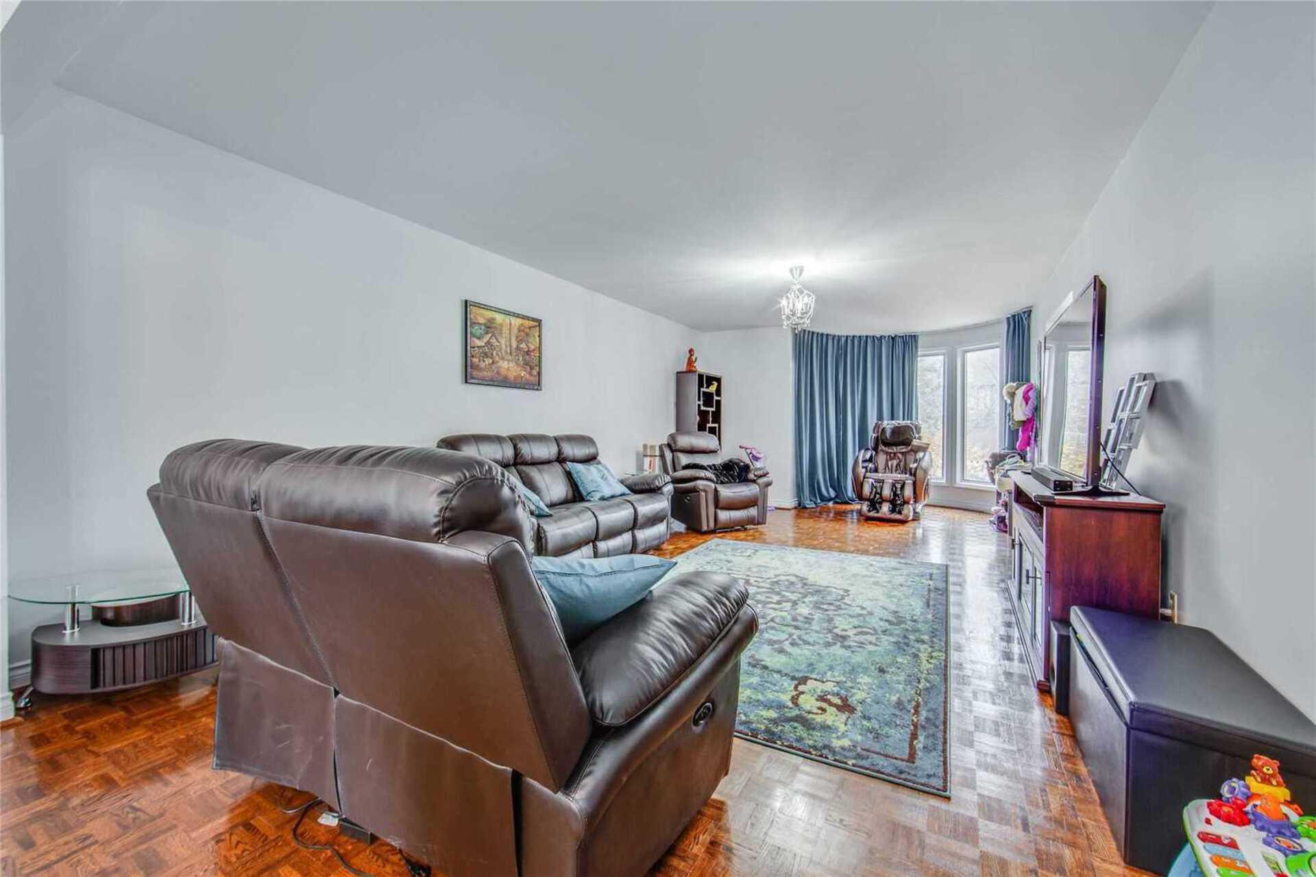 5-clarinda-dr-bayview-village-toronto-05 at 5 Clarinda Drive, Bayview Village, Toronto