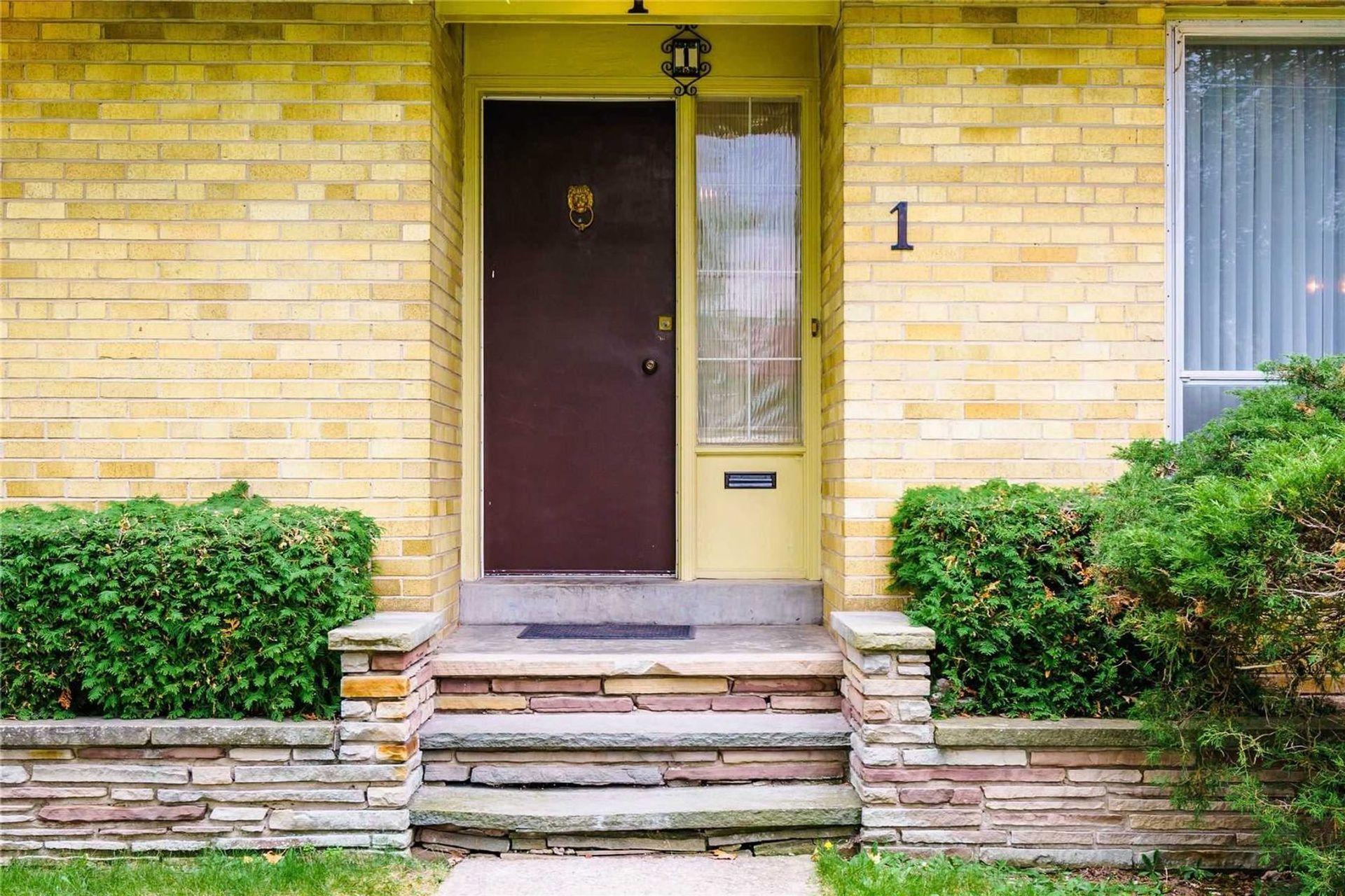 1-windham-dr-bayview-village-toronto-02 at 1 Windham Drive, Bayview Village, Toronto
