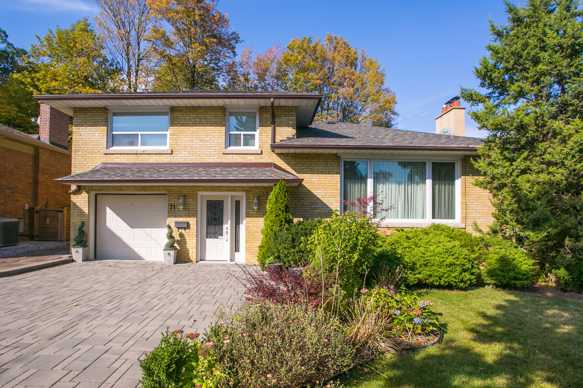 highres_001 at SALE # 466 - 71 Whittaker Crescent, Bayview Village, Toronto