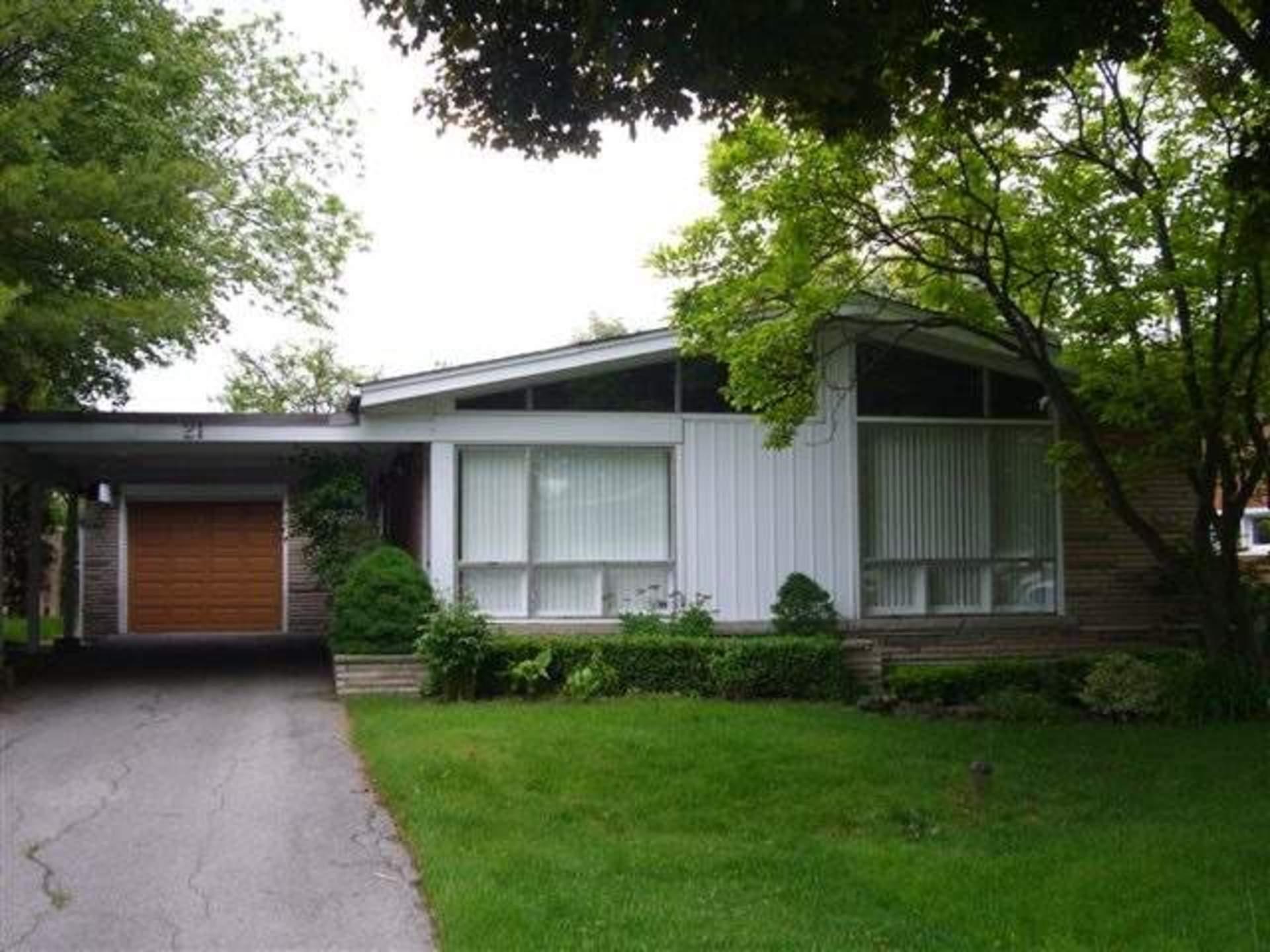 11 at 21 Palomino Crescent, Bayview Village, Toronto