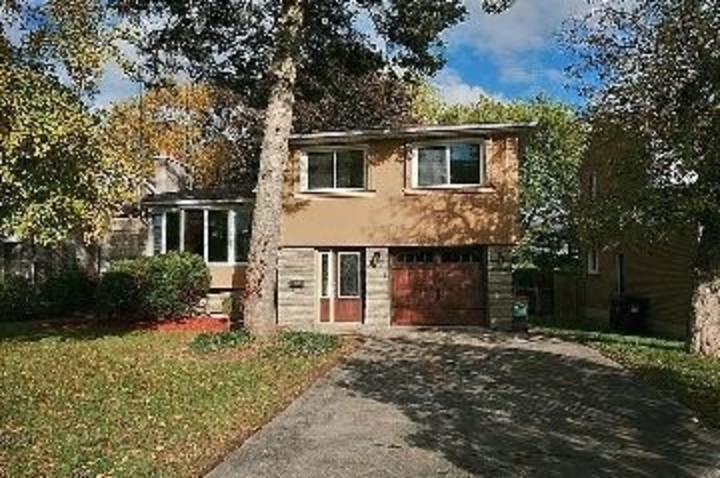 11 at SALE # 457 - 29 Knollview Crescent, Bayview Village, Toronto