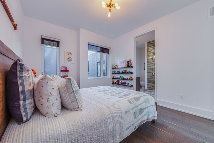 _highres_073 at SALE #476 - 17 Valliere Place, Bayview Village, Toronto