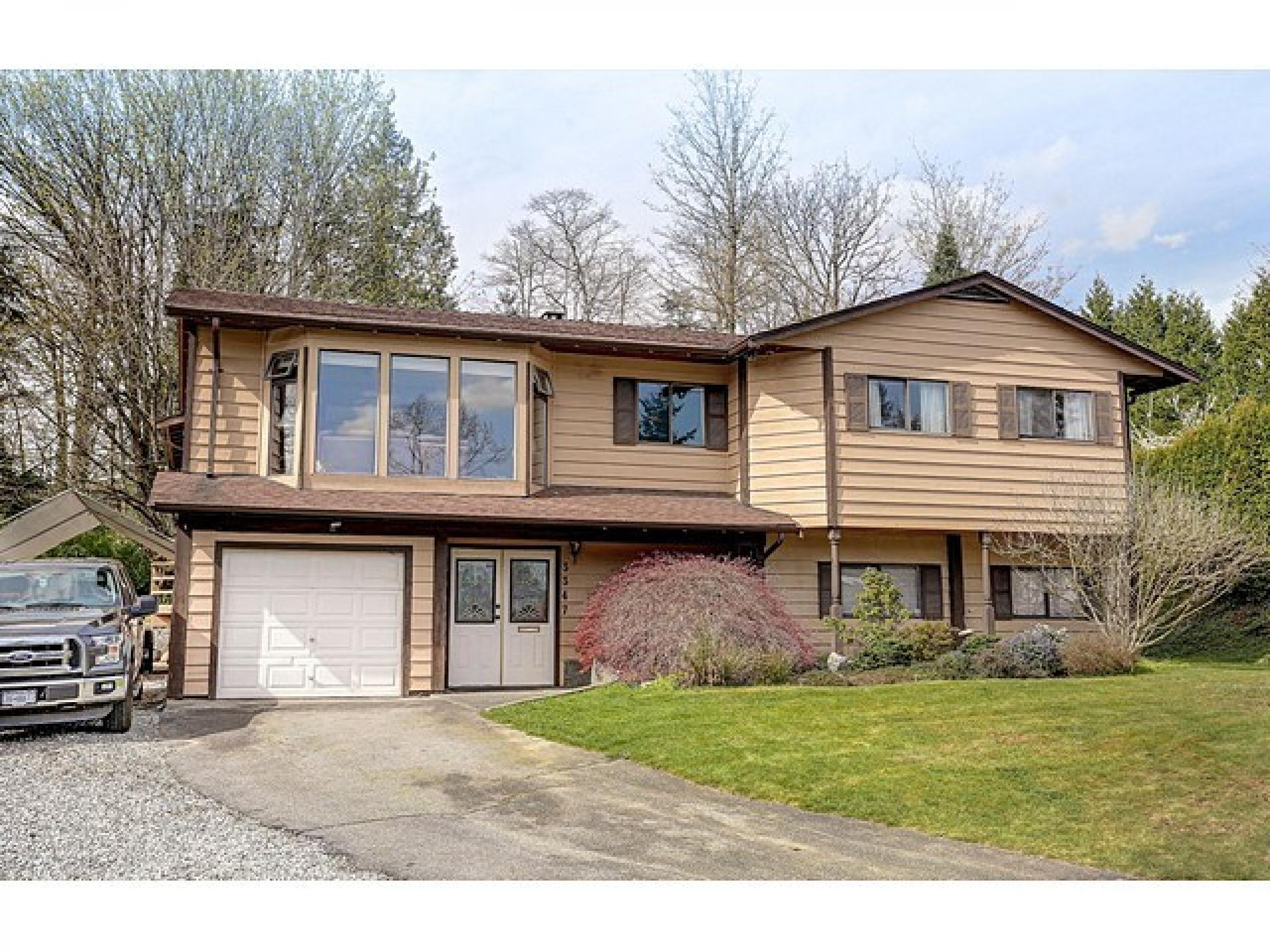 3347 Fairland Court, Government Road, Burnaby North