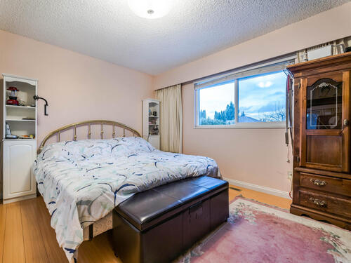 1515-duthie-ave-burnaby-bc-v5a-014-008-bedroom-mls_size at 1515 Duthie Avenue, Sperling-Duthie, Burnaby North