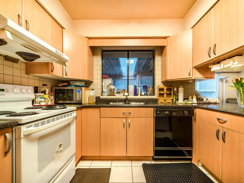 1515-duthie-ave-burnaby-bc-v5a-018-020-kitchen-mls_size at 1515 Duthie Avenue, Sperling-Duthie, Burnaby North