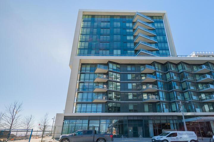 15 Merchants' Wharf, Waterfront Communities C8, Toronto 2