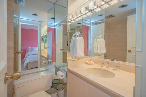 2-lynwood-avenue-suite-401-large-046-042-ensuite-1500x1000-72dpi at #401 - 2 Lynwood Avenue, Casa Loma, Toronto