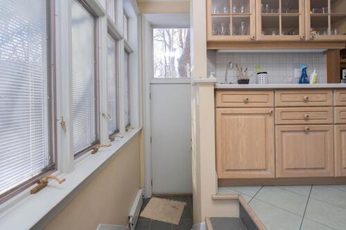 83-lynwood-avenue-large-058-048-mud-room-1500x1000-72dpi at 83 Lynwood Avenue, Casa Loma, Toronto