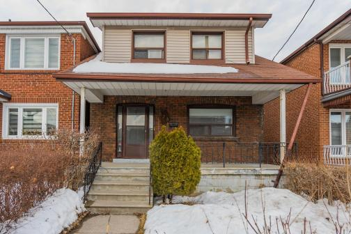 236 Belgravia Avenue, Briar Hill-Belgravia, Toronto photo number 2