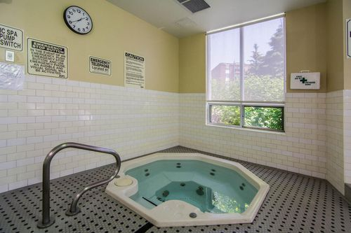 205-the-donway-w-suite-ph808-large-040-005-whirl-pool-1500x1000-72dpi at #PH808 - 205 The Donway West, Banbury-Don Mills, Toronto