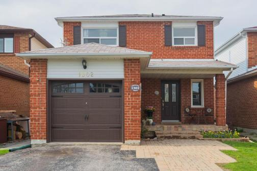 1302 Ferncliff Circle, Liverpool, Pickering photo number 2