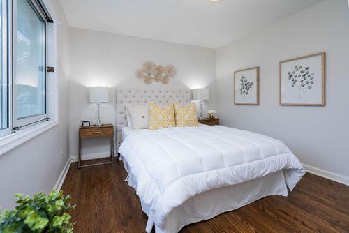 25-overbank-crescent-large-023-017-primary-bedroom-1498x1000-72dpi at 25 Overbank Crescent, Parkwoods-Donalda, Toronto