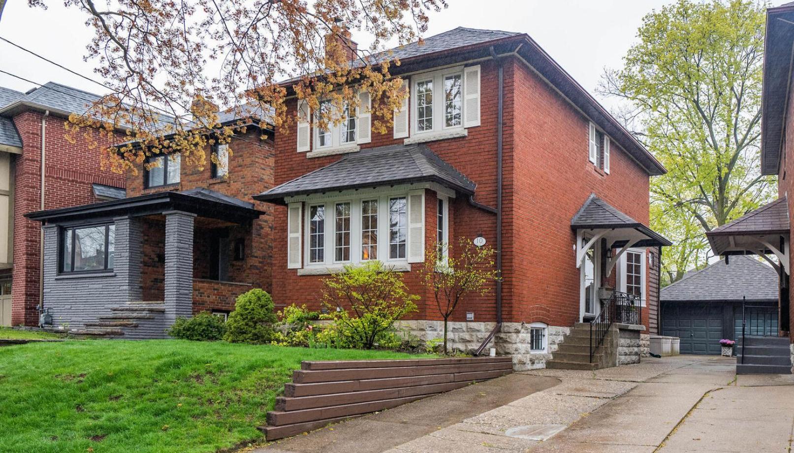 10 Cameron Crescent, Leaside, Toronto